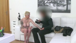 Fake agent interviews big-titted blonde